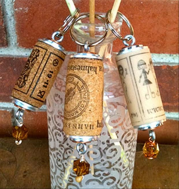 Neat keychains using wine corks