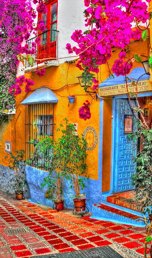 Restorante El Pozo Viejo in Marbella, Spain • photo: Rui Pajares on Flickr