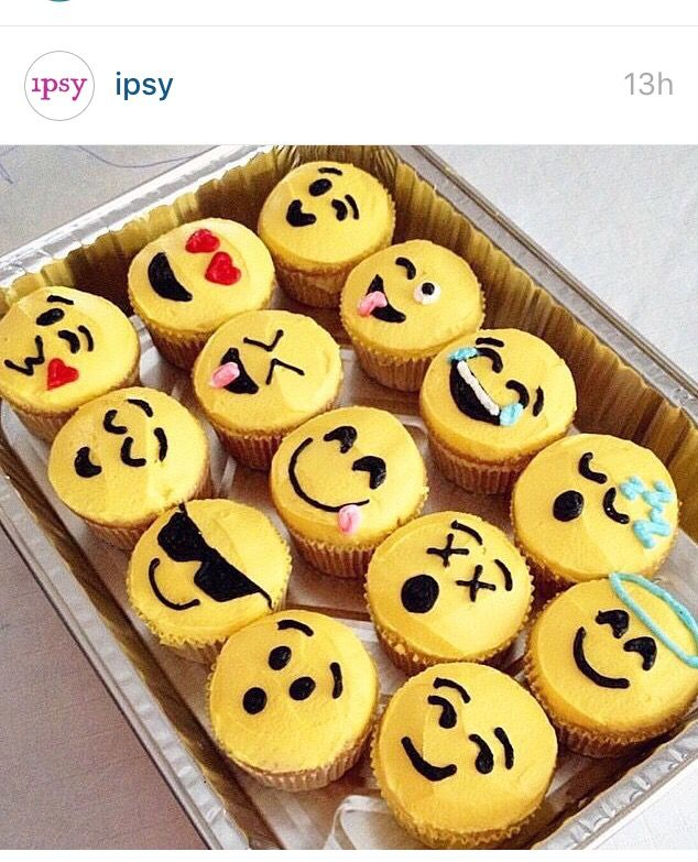 Emoji cupcakes. Saw on @ipsy Instagram