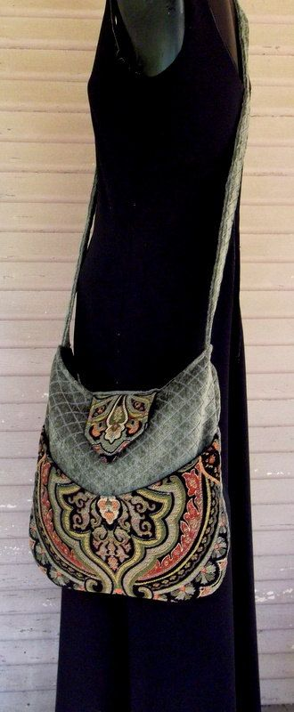 On looks alone this would be on my wish list. Even though not this type of bag person - I like functional, not catch-alls. Tapestry Bag Bohemian Green by piperscrossing
