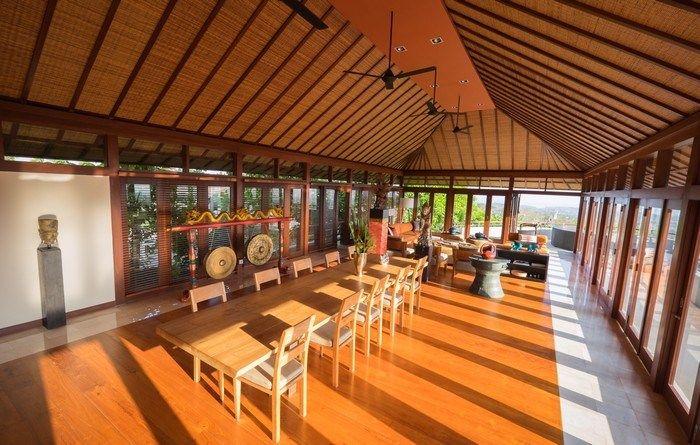 Villa Colonnade | 4 bedrooms | Jimbaran, Bali #interior #diningroom #villa #bali