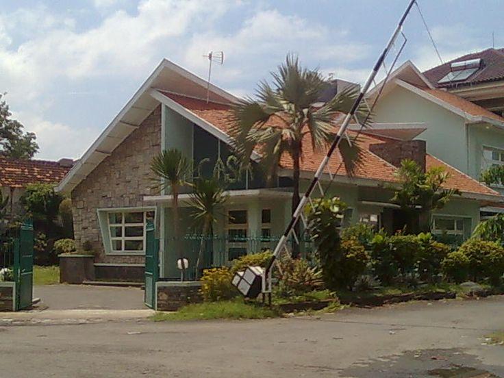 Rumah+Jengki+dekat+MT.+Haryono.jpg (800×600)