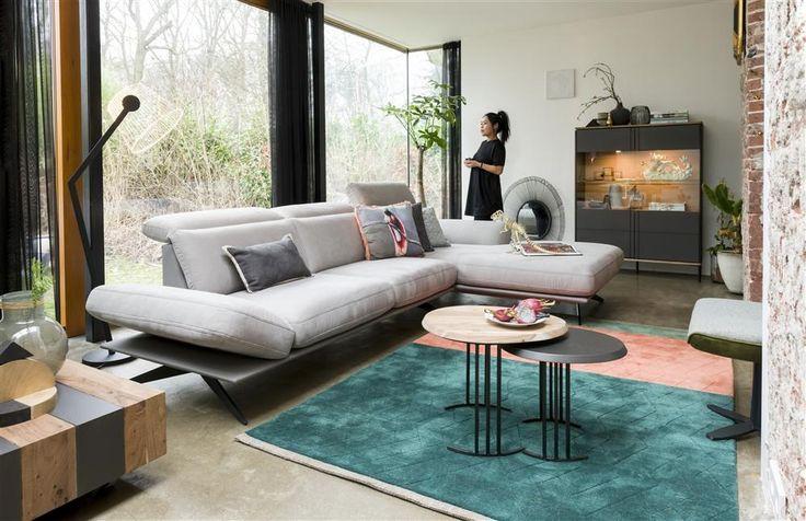 XOOON vous propose une nouvelle collection Lanai, raffinée et luxueuse pour aménager votre intérieur. Un meuble élégant et luxueux, une collection raffinée.