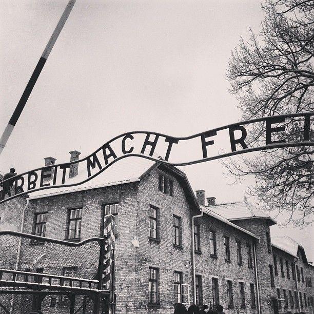 Em 3 de setembro de 1944, o grupo foi deportado para o que seria o último transporte de Westerbork para o campo de concentração de Auschwitz, e chegou após uma viagem de três dias.