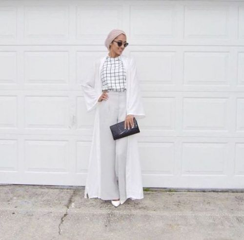 jumpsuit with hijab classy look- Chic hijab outfits from instagram http://www.justtrendygirls.com/chic-hijab-outfits-from-instagram/