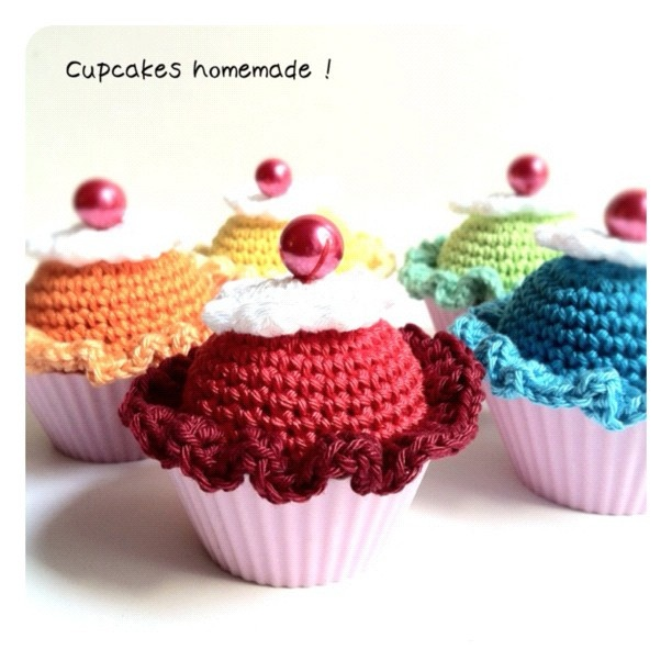 Crochet Cupcakes - finally, a way to enjoy baked goods without the calories! :P