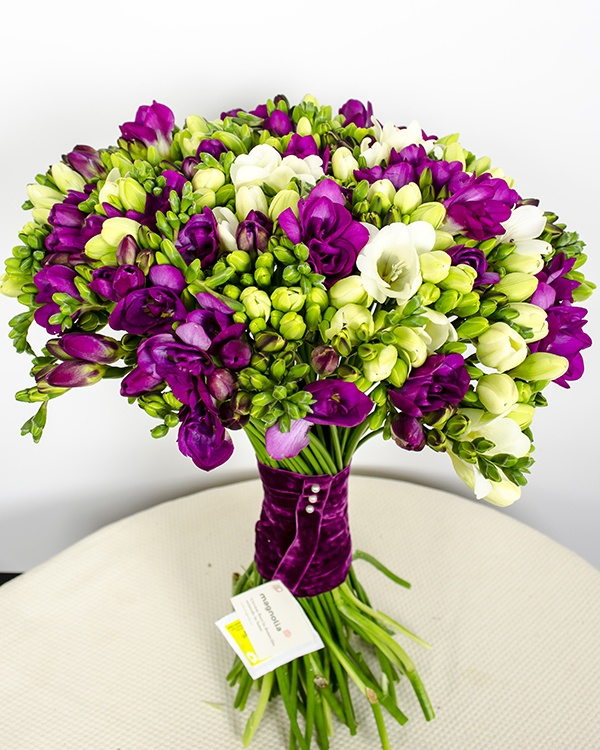 I had a huge bouquet of freesia when we got married ... They smelt wonderful