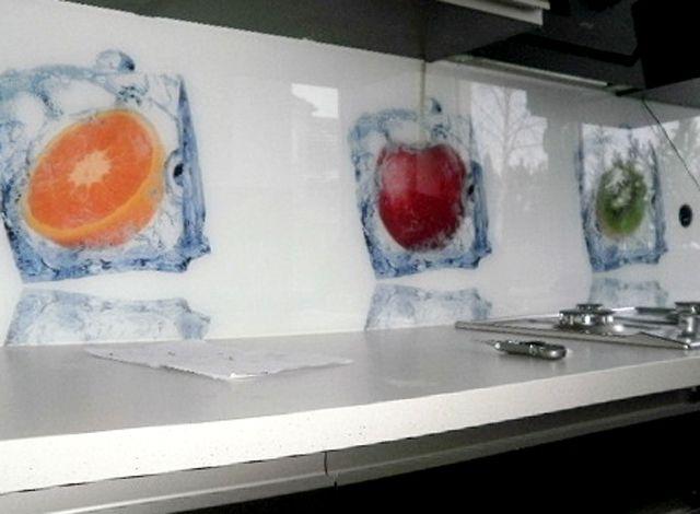 szkło na ścianę