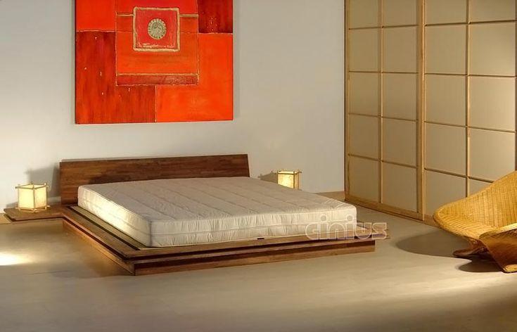 """Lit en bois """"Toki"""", en bois d'hetre massif lamellé, très simple et essentiel avec un fort rappel au style japonais. Conçu pour contenir les supports tatami, il peut etre utilisé aussi avec les normales sommiers à lattes."""