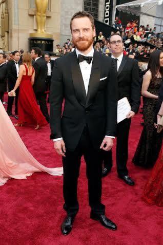 Michael Fassbender: Εκτός από σούπερ ταλαντούχος είναι και σούπερ stylish. Μια ματιά στην φωτογραφία που βλέπετε, είναι η καλύτερη απόδειξη. #oscars