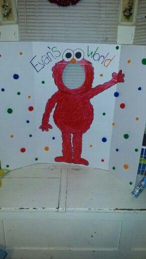 Diy Elmo photo booth for 2nd birthday!