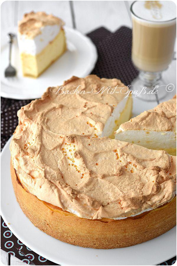 Auch Tränchenkuchen genannt. Sehr cremiger Käsekuchen mit luftigem Eischnee. Die Goldtröpfchen entstehen beim Abkühlen der Baisermasse. Der Käsekuchen ist wahnsinnig...