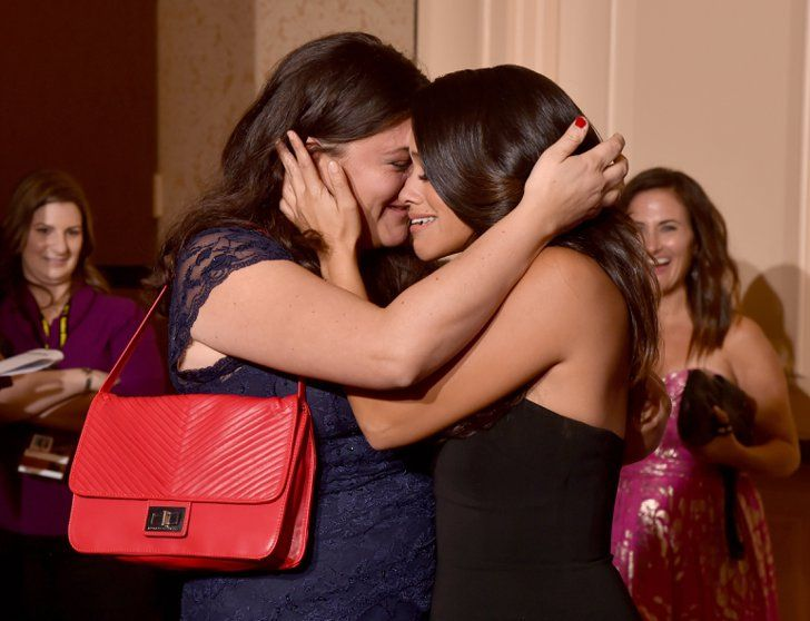 Pin for Later: The 34 Cutest Family Moments From Award Season  Gina Rodriguez and her sister, Ivelisse, cried over her big win in the Golden Globes press room.