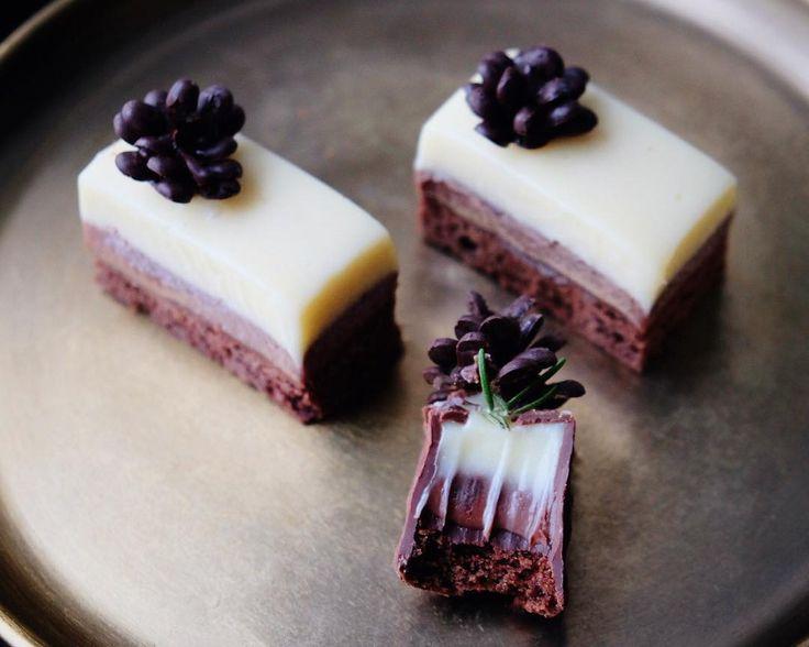306 отметок «Нравится», 45 комментариев — Tatiana, Food blogger (@vetta_sweets) в Instagram: «В-вдохновение Своё вдохновение я черпаю вот в этих сладких многогранных разрезах, разломах, укусах.…»