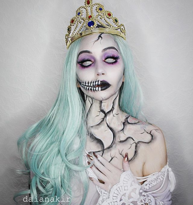 Ashes to ashes... Ghost of the White Queen. #kittypowerfallcontest @vanitakothyScarlett lashes @hudabeauty @shophudabeauty@divisima.ro @nyxcosmetics_romania#SigmaxMuradHalloween