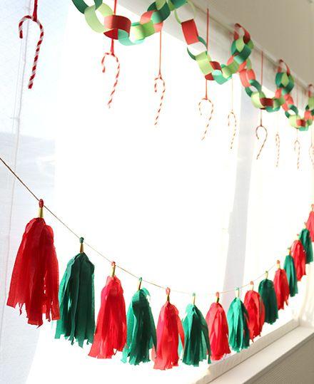 クリスマス飾り クリスマスカラーのタッセルガーランド