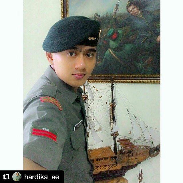 #Repost @hardika_ae  #polisi #tentara #ganteng #cantik #indonesia #awesome #uniform #sexy #style