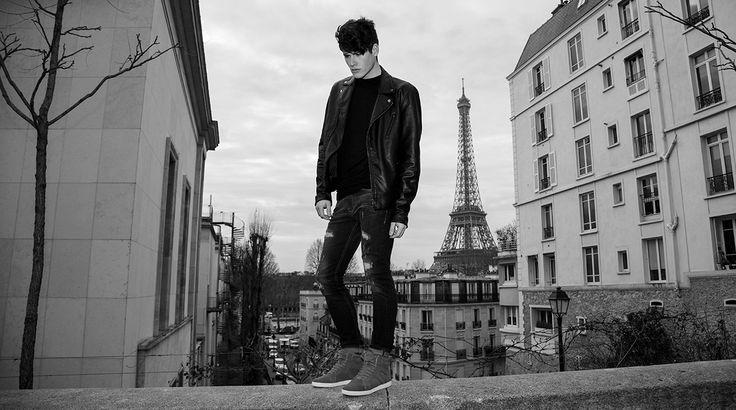 VO7 Newton Velvet Grey #vo7shoes #vo7 #streetchic #footwear #look #ootd #fashion #Paris #hightops #sneakers #basketsmontantes #Paris #PalaisdeTokyo #mode #homme #TourEiffel #photographie #noiretblanc #blackandwhite