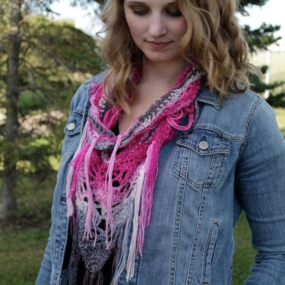 Love this light weight scarf for spring and summer. Fringe = <3 eyes for days! #fringe #crochet #scarf #pinkscarf #ombrescarf #glitterscarf