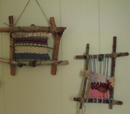 Twig weaving loom ~ I think even I could do this...gonna try ;D