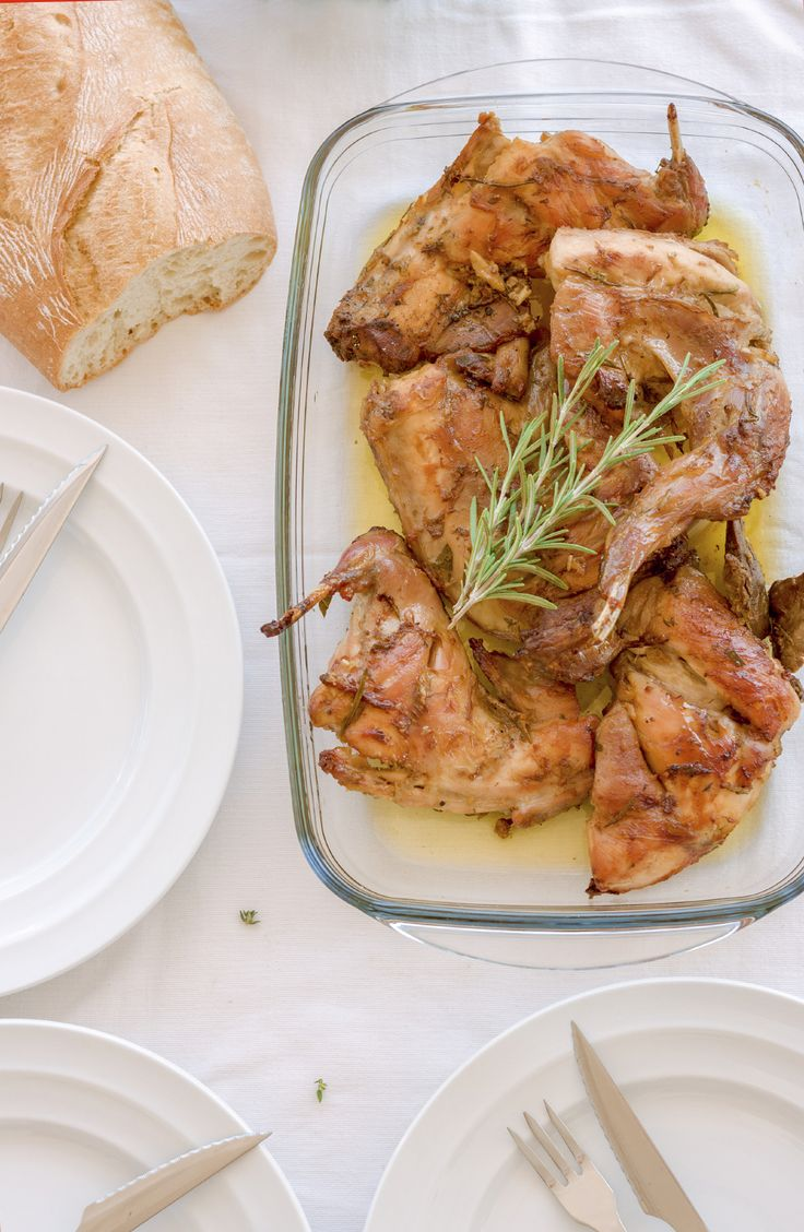 Pečený králík s hořčicí a zeleninou