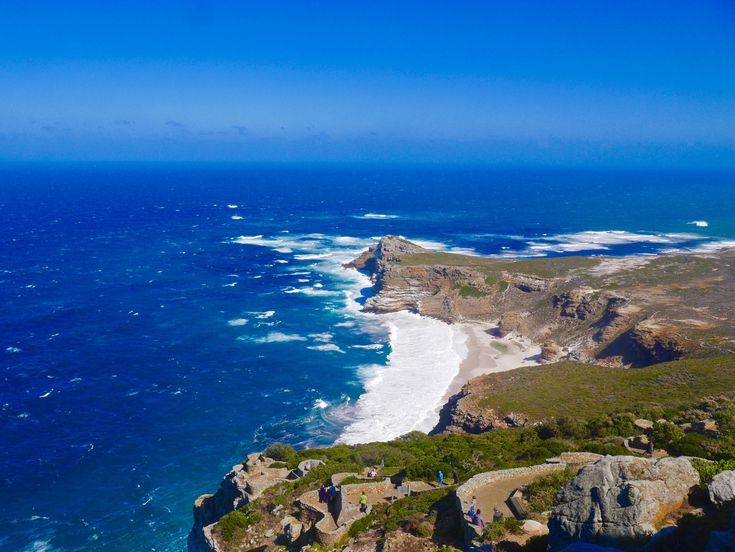 10 reasons why Cape Town stole my heart. Thank you for taking us along on this gorgeous throwback @ The Curious Pixie #travelblog