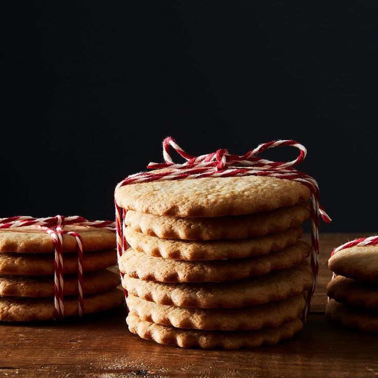 A lightly-spiced, crisp-chewy sugar cookie that spans generations