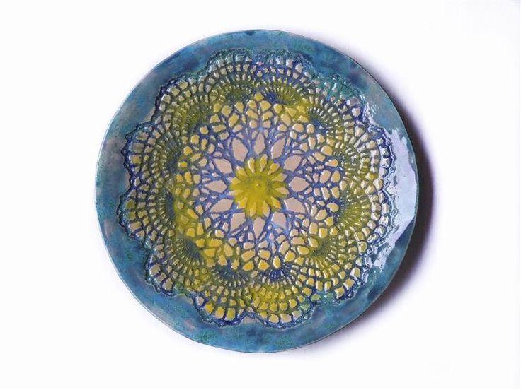 Ozean Stern Keramik Mandala, Wand Keramik Teller, moderner Interior Dekor by Tanja Shpal, gelb blaue Platte mit Spitze Ornament, Geschenk von ceralonata auf Etsy
