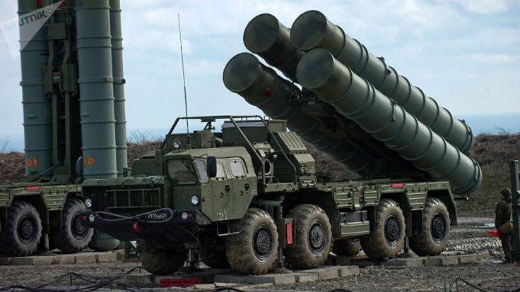 """Moskau/Peking(IRNA/K-Networld/Sputniknews)- Laut russischen Medien hat Moskau mit der Lieferung des Raketenabwehrsystems vom Typ S-400 an China begonnen. Das russische Boden-Luft-Raketensystem S-400 """"Triumph"""" ist eine Art Waffe, die die """"Spielregeln ändert"""","""