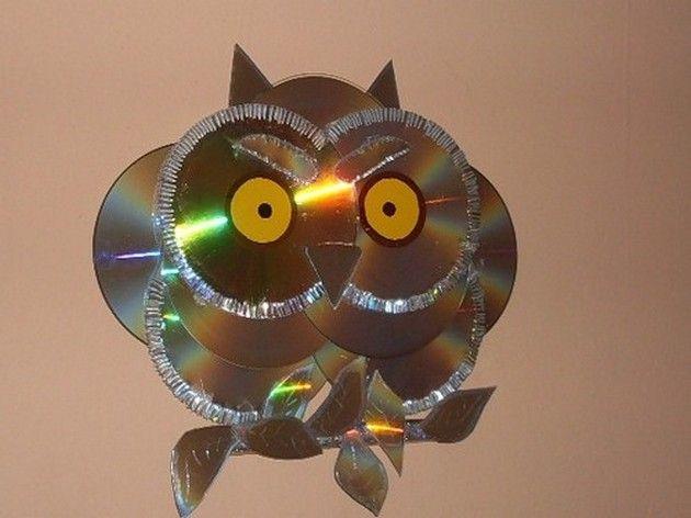 Éloigner les oiseaux du cerisier avec de vieux CD et un peu d'imagination