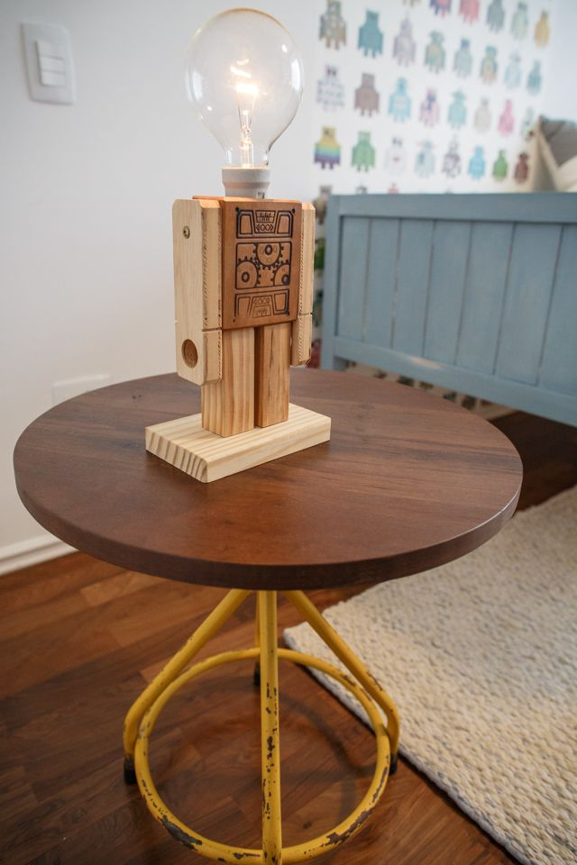 Industrial design / Cool Lamp / Customized Table http://renatamccartney.com.br/site/