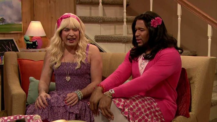 Ew! with Jimmy Fallon and Michael Strahan. HILARIOUS