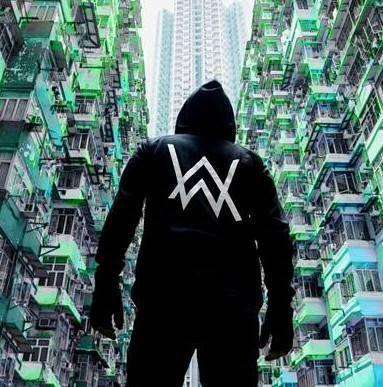 "Alan Walker dévoile son nouveau single ""Sing Me To Sleep"" http://xfru.it/Ho748Z"