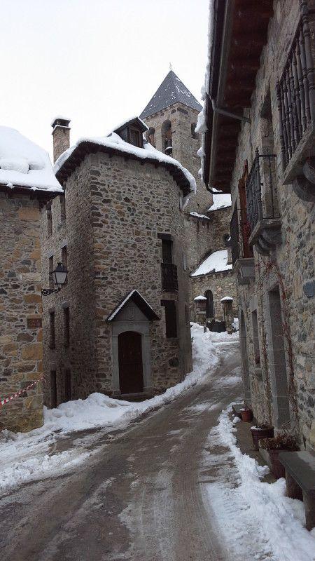 Calle de Lanuza en el #pirineo de #Huesca