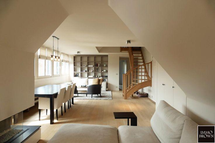 Duplex appartement van 161m² + 10 m² terras te koop in de exclusieve residentie Princess Elizabeth gelegen op het 3de verdiep met 3 slaapkamers en 2 badkamers.