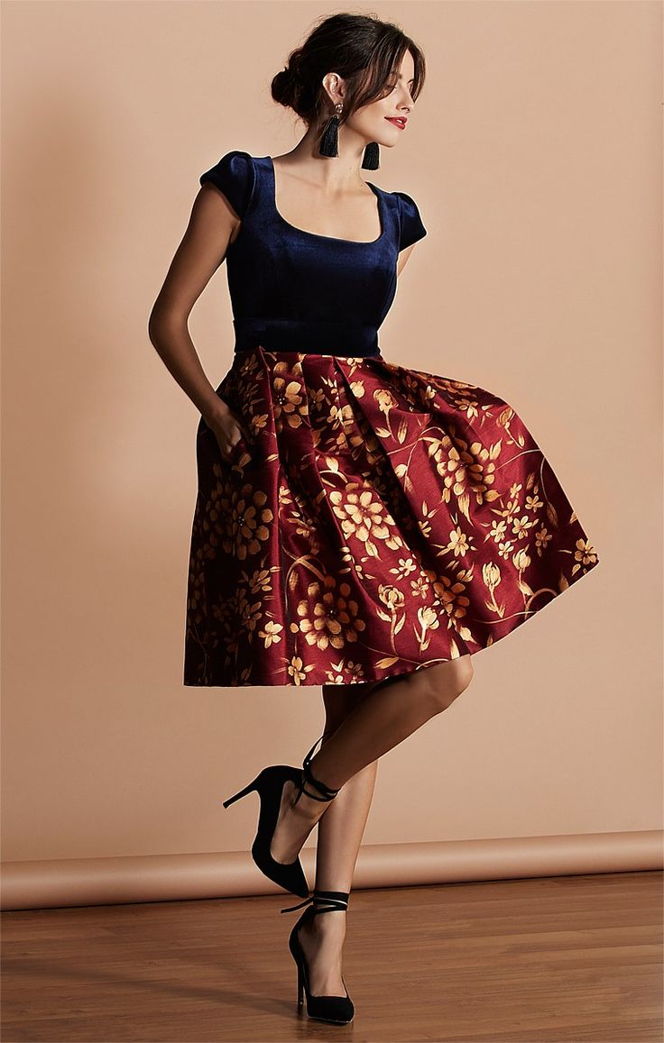 TEATRO ANTICO HAND PAINTED KNEE LENGTH SKIRT IN BURGUNDY GOLD ROSE