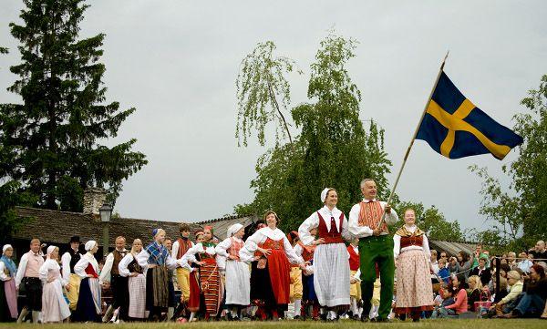 Midsommar på populära Skansen 2012