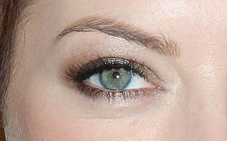 Date Night Makeup Idea: Emma Stone's Sexy Eye Makeup Look That Only Takes Two Eyeshadow Colors To Pull Off