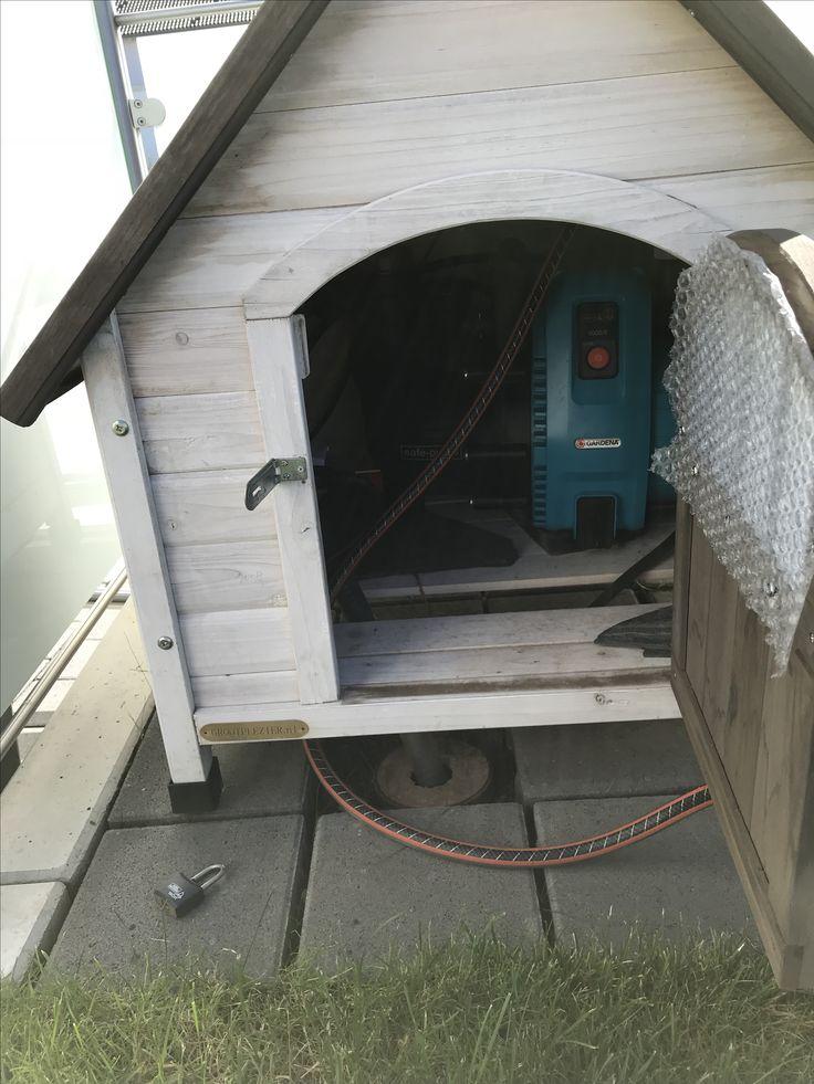 Ideal Das Wunder Haus habe ich ber dem Anschlussrohr f r die Wasserzisterne aufgebaut Die T re vom