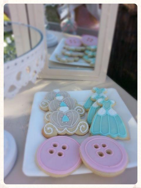 Cookies at a Princess party #princess #partycookies
