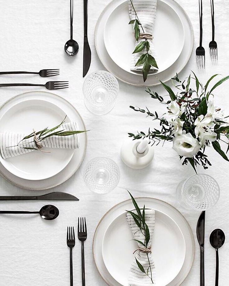 A beautiful black and white tablescape /// See this Instagram photo by @homeyohmy • 679 likes