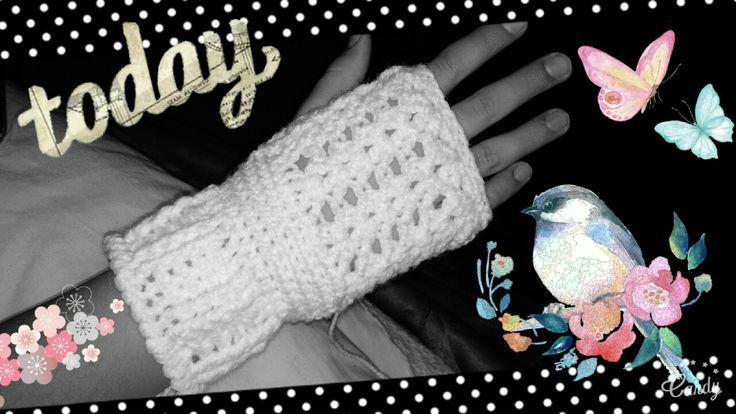Guantes sin dedos blancos en crochet.White gloves fingers crochet