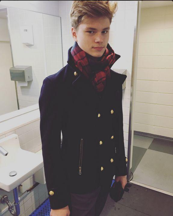 looking handsome @ XOI2016