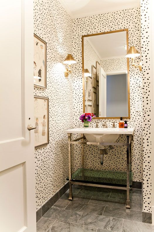 wallpaper: Bathroom Design, Polka Dots, Home Interiors, Half Bath, Design Interiors, Hotels Interiors, Interiors Design, Design Home, Powder Rooms
