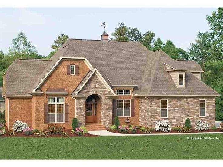 English cottage house plan with 1583 square feet and 3 for Old english cottage house plans