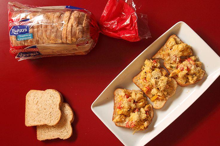 """Ζεστές Μπρουσκέτες με Ψωμί σε Φέτες """"Χωριανό"""" ΠΑΠΑΔΟΠΟΥΛΟΥ Σταρένιο με 6 Δημητριακά"""