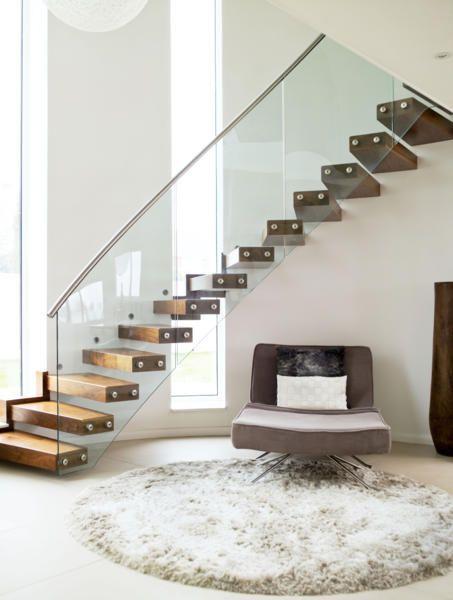 durchsichtiges treppengel nder modern. Black Bedroom Furniture Sets. Home Design Ideas