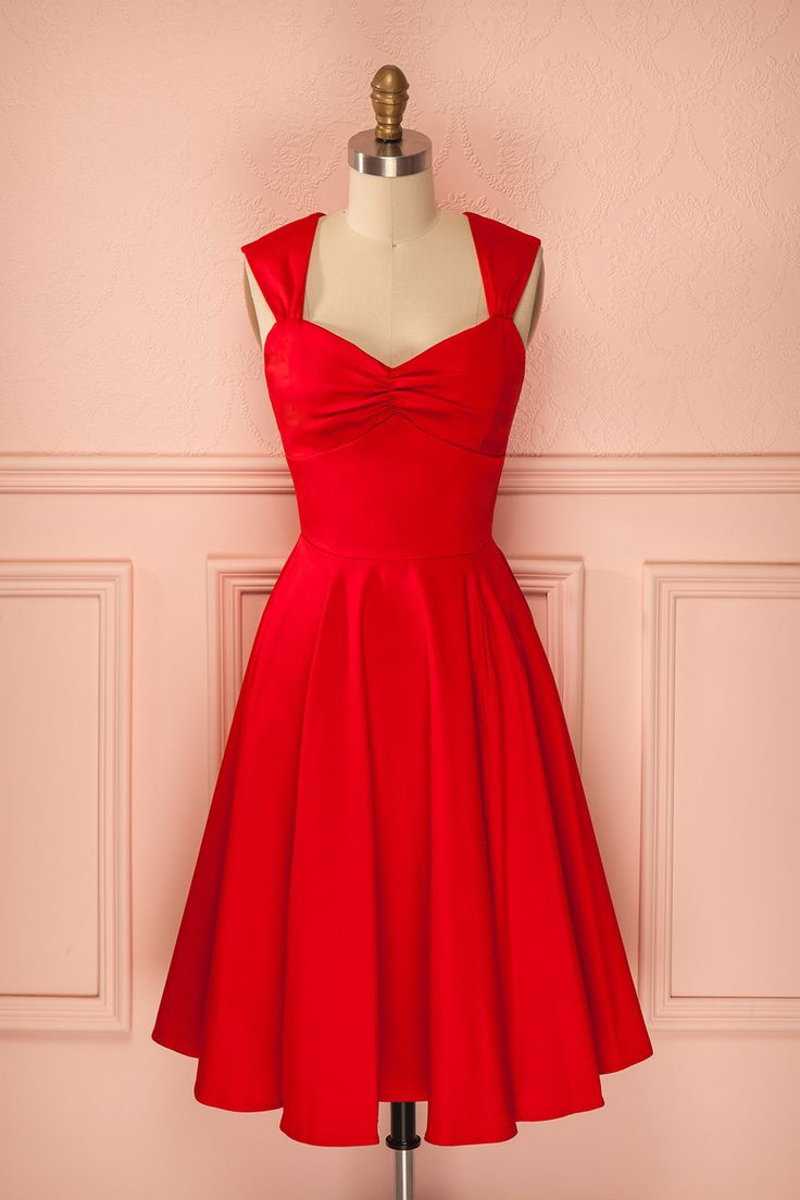 Etta Red ♥ Une vraie pin-up n'a pas besoin de montrer ses jambes pour s'attirer…