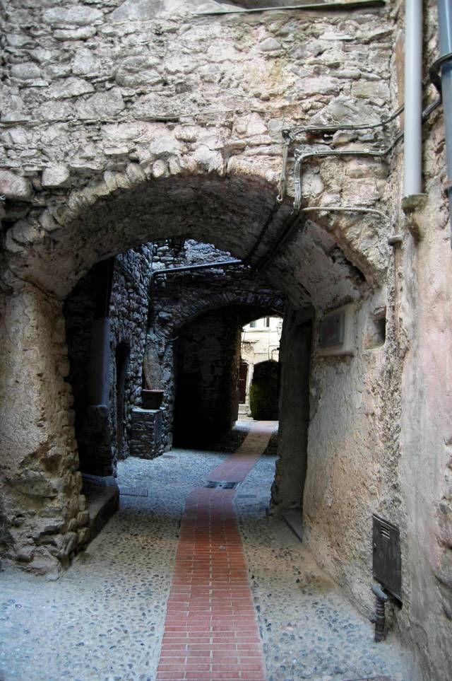 Dolceacqua (IM) rione Terra  Vicolo Borgogno