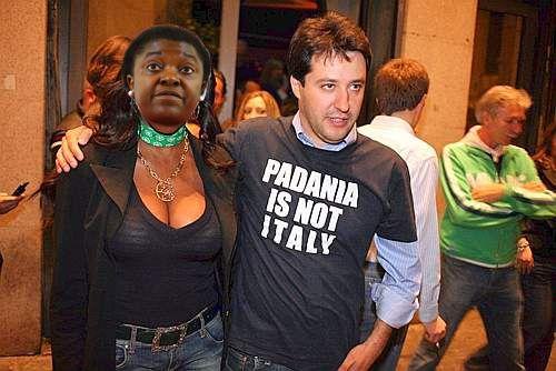 La fidanzata di Salvini assunta in regione..(Vignettismo)